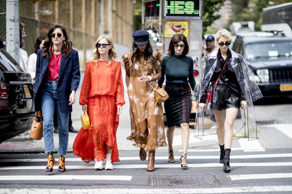 Urban Fashion 2020.The Fall 2019 Street Style Trends During The Spring 2020